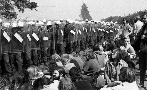 4.9.1982 - Tanz auf dem Vulkan, Gorleben. Bild: Umbruch Bildarchiv