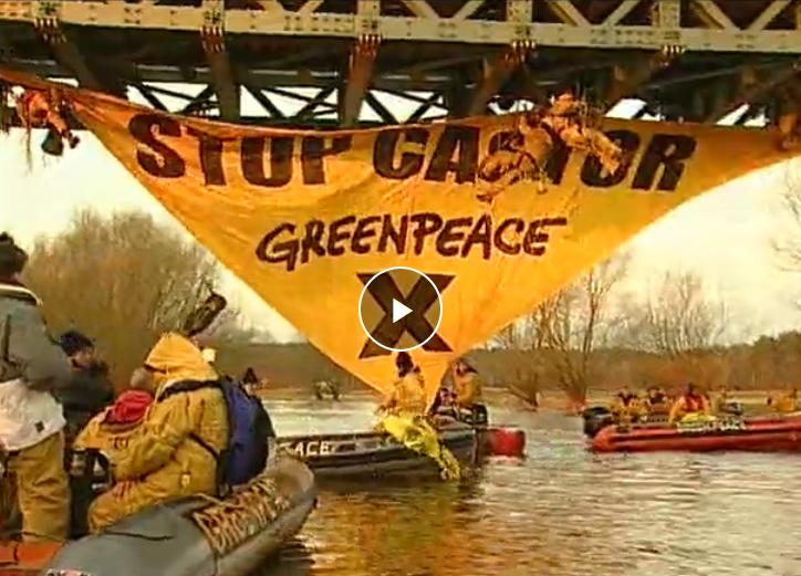 Video: Greenpeace besetzt Jeetzel-Brücke